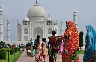 Hindistan'da 73 yaşındaki kadın ikiz annesi...