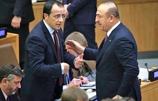 """Hristodulidis'ten Çavuşoğlu'na ayaküstü """"teklif"""