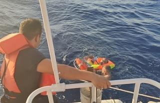İskele açıklarında gezi teknesi alabora oldu