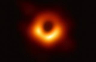 Kara deliğin fotoğrafını yayımlayan ekibe 3 milyon...