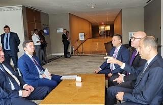 Özersay, Azerbaycan Dışişleri Bakanı ile görüştü