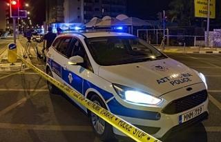Polis motosikletli iki gence ateş açtı
