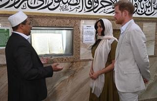 Prens Harry'nin eşi Meghan Markle cami ziyareti...