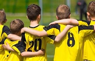 """""""Takım sporları akran zorbalığının önüne..."""