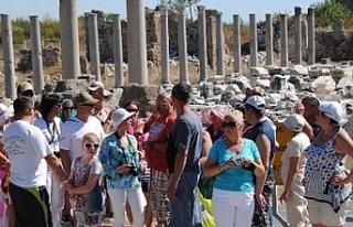 Turizmciler '2023'te 75 milyon turist'...