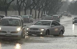 Yağışlı hava Güney Kıbrıs'ta da etkili...
