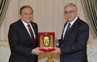 Akıncı, CHP Genel Başkan Yardımcısını kabul...