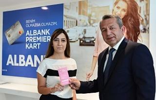 Albank'tan meme kanseri farkındalığı için pembe...