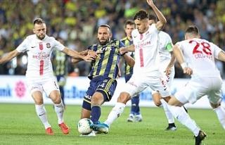 Fenerbahçe sahasında kaybetti