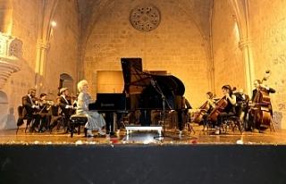 Sezon açılış konseri, Bellapais Manastırı'nda...