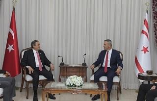 Uluçay, CHP Genel Başkan Yardımcısını kabul...