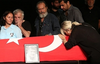 Usta oyuncu Tarık Ünlüoğlu son yolculuğuna uğurlandı