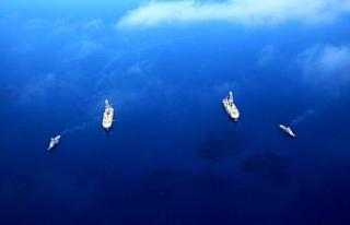 Yavuz sondaj gemisi 'Fatih'i selamladı