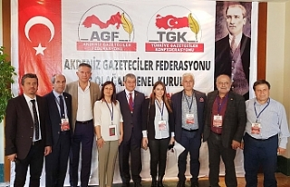 Akdeniz Gazeteciler Federasyonu yeni görev dağılımını...