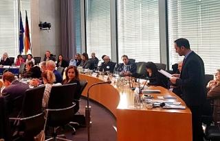 Candan, Almanya Parlamentosunda konuştu