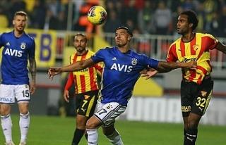 Fenerbahçe, İzmir'de puanları paylaştı