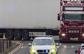 İngiltere'de TIR arkasında 39 ceset olayı:...