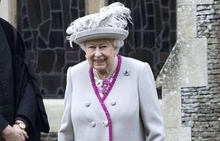 İngiltere Kraliçesi yeni kıyafetlerinde gerçek...