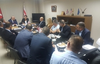 İŞAD İçişleri Bakanı Ayşegül Baybars'ı...