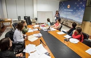 Kadınlara yönelik İngilizce kursları 3 ayrı bölgede...