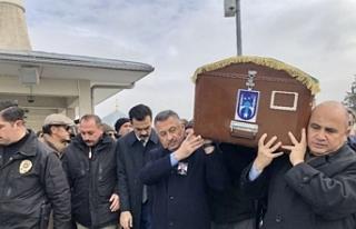 Büyükelçi Başçeri'nin babası son yolculuğuna...