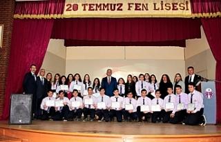 Çavuşoğlu'ndan 20 Temmuz Fen Lisesi'ne...