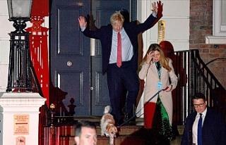 İngiltere'de Muhafazakar Partinin tek başına...