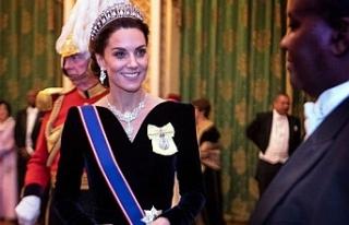 Kate Middleton Buckingham resepsiyonunda Prenses Diana'nın...