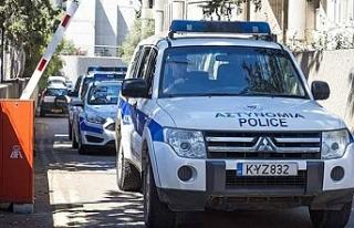 Limasol'da araç kundaklandı