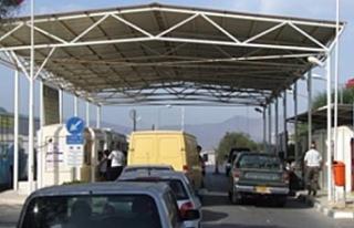Rum İçişleri Bakanı KKTC'den kaçak göçe...