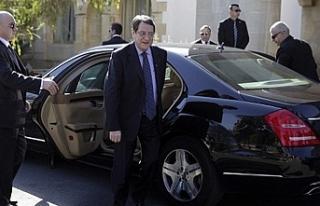 Rum Yönetimi son 3 yılda 50 makam arabası aldı