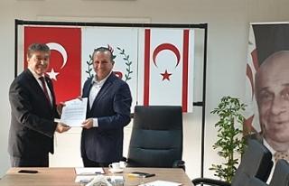 Bakan Üstel'den Ataoğlu'na ziyaret