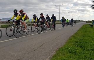 Bisikletçiler kampa giriyor