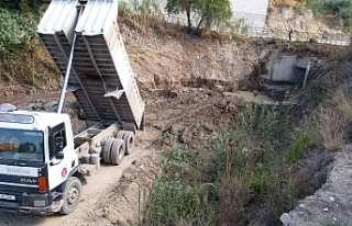 Girne'de su taşkınlarıyla ilgili mücadeleye...