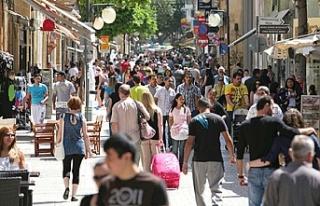 Güney Kıbrıs'ta en düşük memur maaşı...