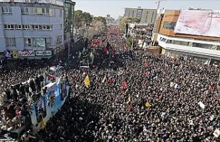 Süleymani'nin cenaze töreninde izdiham: 35...