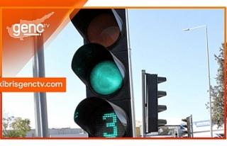 Sürücülerin dikkatine.. Trafik ışıkları devre...