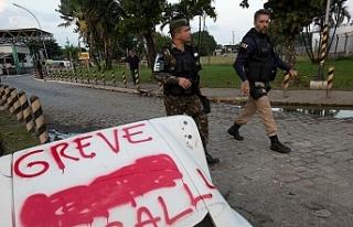 Brezilya'nın Ceara eyaletinde polis greve gitti,...