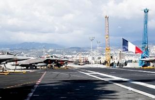 """""""Charles De Gaulle"""" Limasol limanında"""