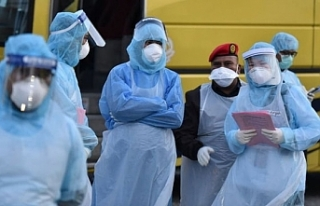 Çin'de son 24 saatte 73 kişi daha koronavirüsten...