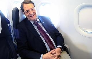 İş gezileri içim özel jet kullanması eleştirildi