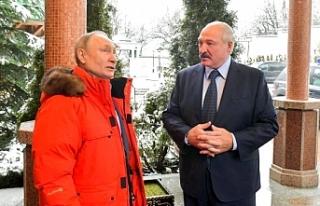 Putin'in giydiği mont Rusya'da tartışma...