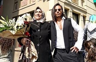 Annesiyle fotoğraf paylaşan Nusret, kadınları...