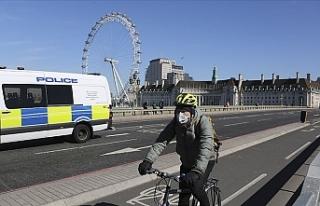 İngiltere'de sokağa çıkışlar sınırlandırıldı,...