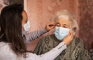 """""""Koronavirüs yaşlılarda ateş değil solunumla..."""