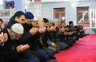 Mehmetçik için 'zafer' duası