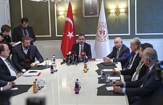 Türkiye'de ligler ertelendi