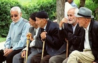 Türkiye'de 65 yaş üstüne dışarı çıkma sınırlaması