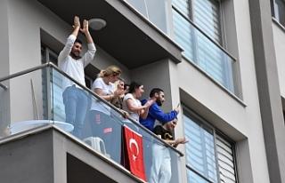 23 Nisan coşkusu dün Girne'de evlere taşındı