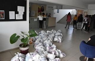 Girne Belediyesi'nden GAÜ yurtlarına yardım...